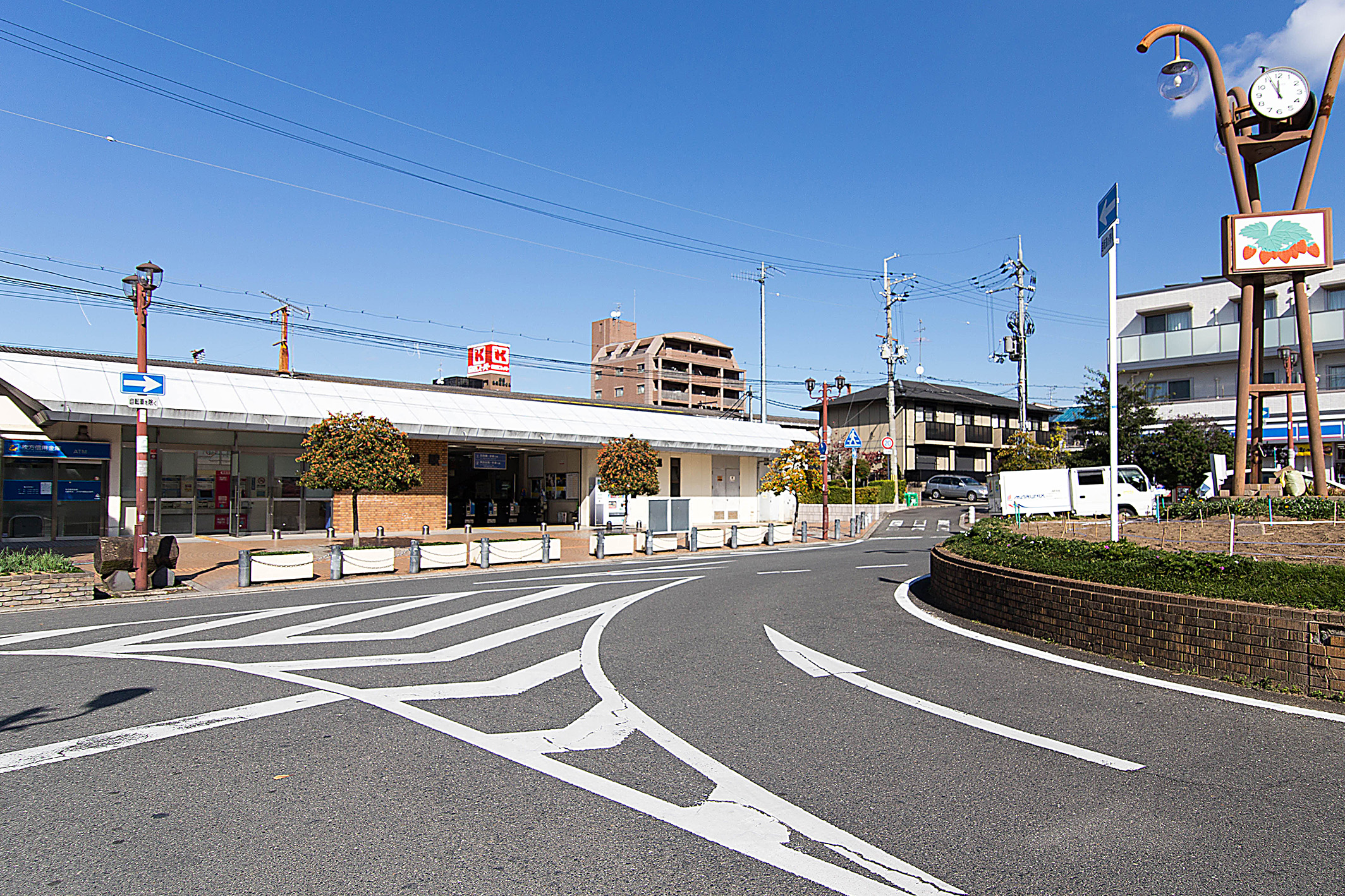 JR学研都市線「河内磐船」駅へ徒歩5分。快速停車駅なので乗り換えなしで「京橋」駅へ乗車25分。※快速を利用の場合。